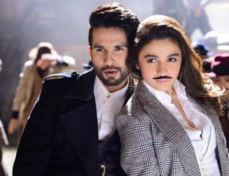 индийский фильм где парень и девушка познакомились